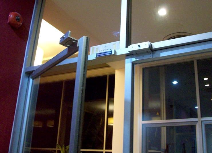 อุปกรณ์ล็อคไฟฟ้า สำหรับล็อคประตู