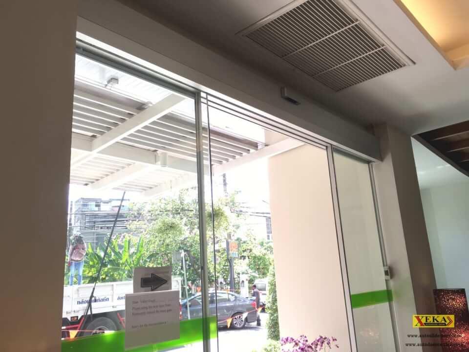 บริษัท ริเวอร์แคว โฟลทเตล จำกัด ติดตั้งสวิตซ์ไร้สาย กับ ประตูบานเลื่อนอัตโนมัติ ที่