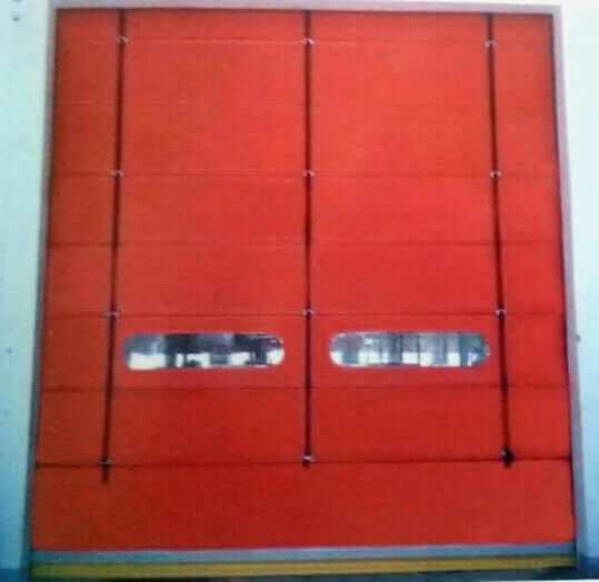 ประตูม้วน PVC แบบพับเก็บ