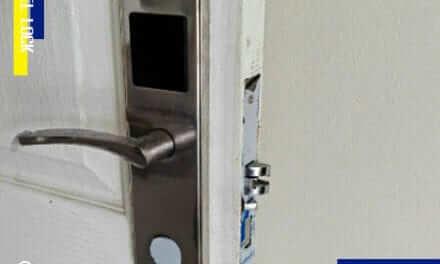 โรงแรม จ.ชลบุรี ติดตั้ง ประตูคีย์การ์ดโรงแรม ( Hotel Lock )